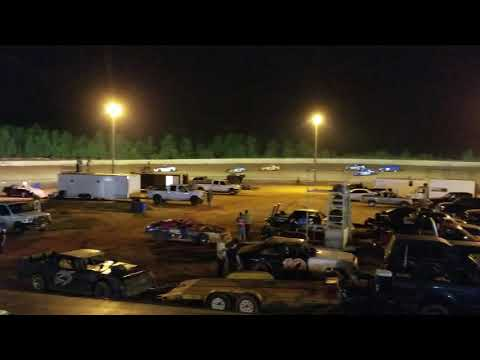 Lancaster Motor Speedway Extreme 4 Main Event (9/28/18 part 1of 2)