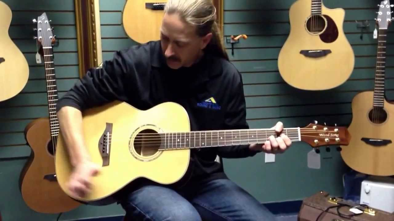 Quick Guitar Lesson Tremolo Whammy Bar Effect On Acoustic Guitar