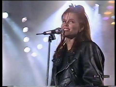 BELINDA CARLISLE - Heaven Is A Place On Earth - FESTIVAL DI SANREMO Serata Finale - 1988