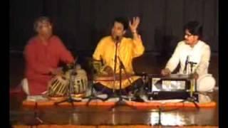 Anal Chatterjee-Raag Bilaskhani Todi Vilambit and Drut Khyal- Live at Delhi.flv