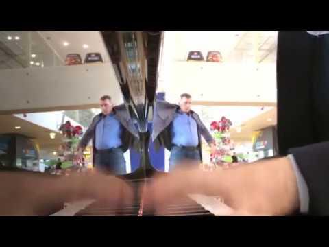 Amazing EDM Street Piano - Tallin Airport Axwell Ʌ Ingrosso, Avicii, Deadmau5, GoT, Stranger Things