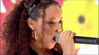 Rihanna - Kisses Don't Lie (video)