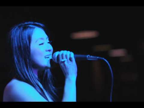 Fallin for You (acoustic) - BY ANTOINETTE TAUS