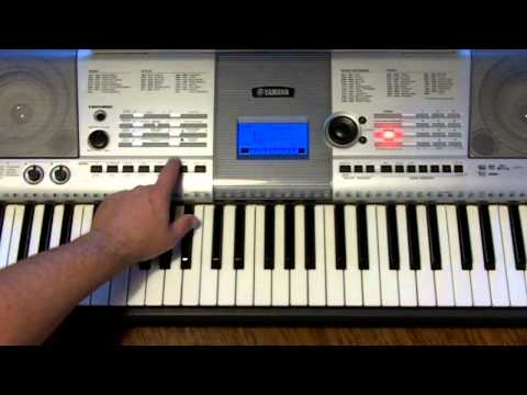 How to play Christmas songs on an arranger keyboard