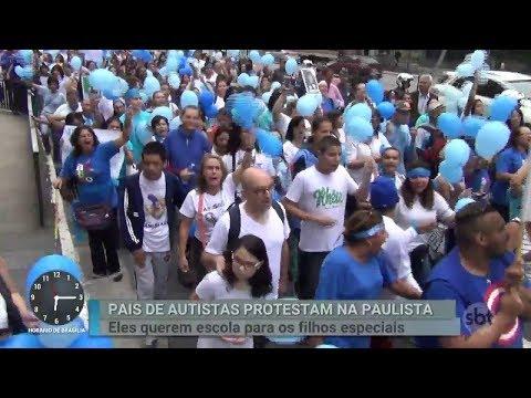 Pais de crianças autistas protestam por educação para os filhos   Primeiro Impacto (16/02/18)