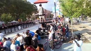 Kevin Robinson Guiness WORLD RECORD  jump 84 foot backflip august 13