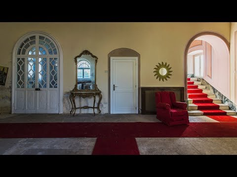 UN'INCREDIBILE VILLA STORICA (Luxury mansion with a pool table inside) ● TESORI ABBANDONATI ● URBEX