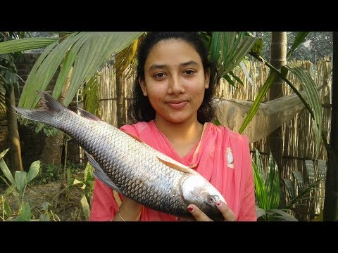 Rui Macher Jhal | Delicious Bengali Fish Curry Recipe | Tasty | Cooking By Street Village Food