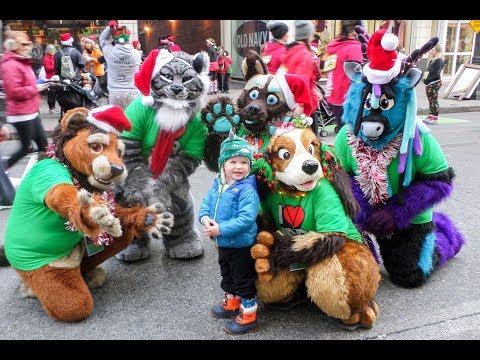 Emerald City Critters At 2017 Jingle Bell Run Seattle