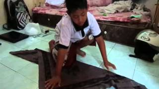 Seniman cilik 6 tahun  mepayas adat Bali