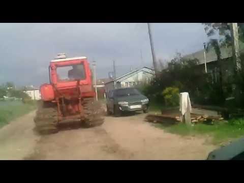 Прикол с трактором. Юмор. Смешное видео. Приколы.