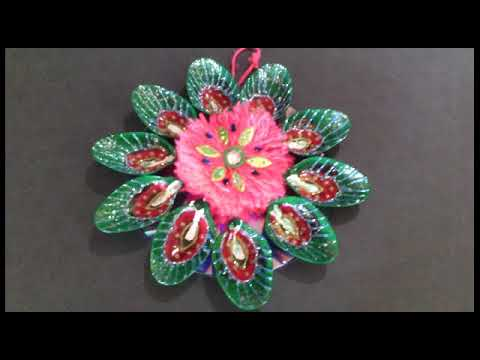 Wall hanging flowers with spoons waste cds youtube for Wall hanging out of waste material