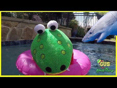 Outdoor Pool Fun with Bunch O Balloon and Lightning McQueen