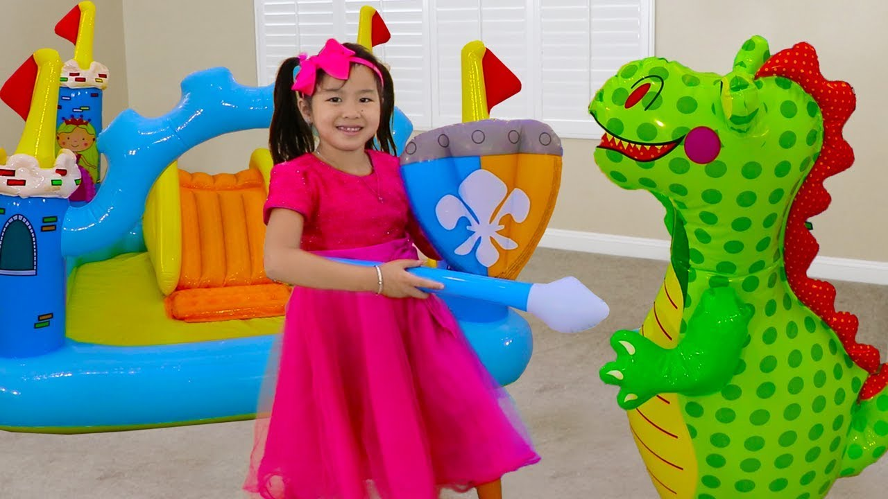 Jannie Pretend Play w Giant Inflatable Princess Castle Toy for Kids
