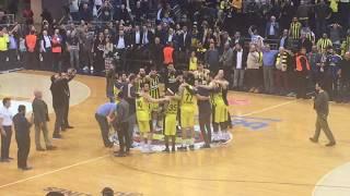 Fenerbahçe Beko 79-75 CSKA Moskova | Melih Mahmutoğlu Taraftar İle Galibiyeti Kutluyor