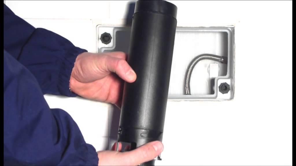 Installare la cassetta di scarico wc - Lavorincasa.it