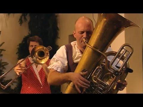 """Mnozil Brass Documentary: """"Die etwas andere Blasmusik"""" (2005), english subs"""