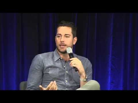 Nerd HQ 2015: A Conversation With Zachary Levi