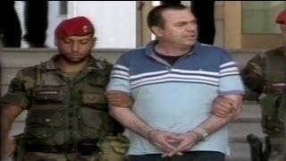رهبر باند تبهکار در زیرزمین خانه مادرش دستگیر شد
