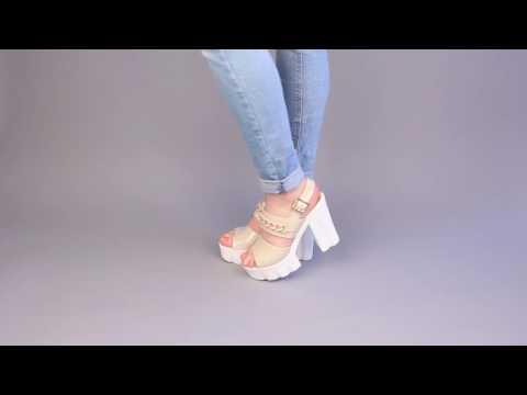 Красивые женские босоножки на каблуке ditto