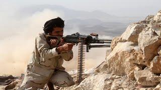 أخبار عربية   قوات الشرعية بـ #اليمن تسيطر على معسكر خالد