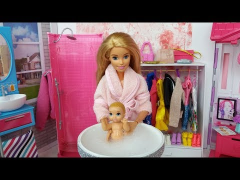 barbie-doll-baby-morning-routine-in-a-pink-barbie's-bedroom.-barbie-video.