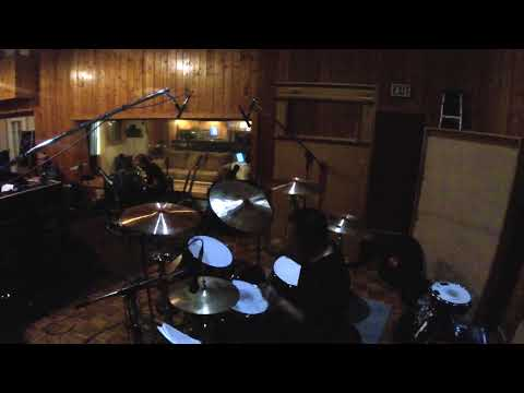 "Rich Redmond Tracking Jason Aldean's ""Dirt to Dust"""