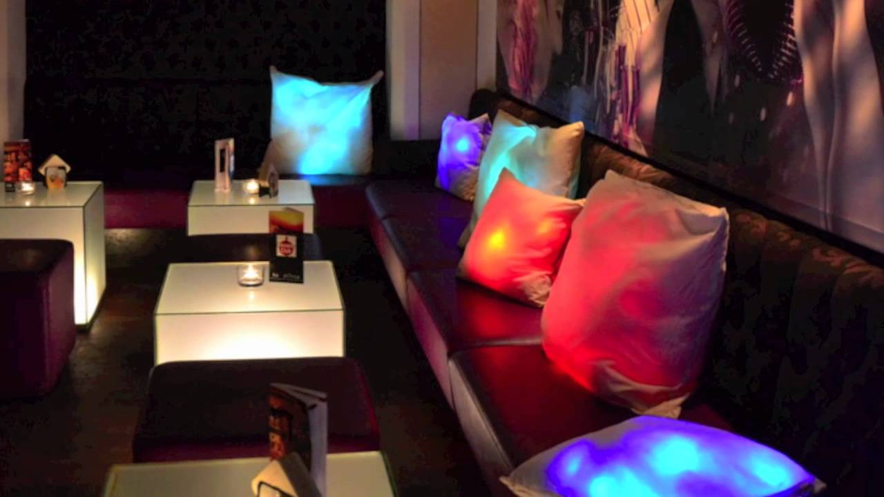 s luce lounge led kissen anwendungsbeispiele licht design skapetze youtube. Black Bedroom Furniture Sets. Home Design Ideas
