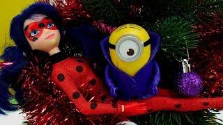 видео » Новый год с миньонами