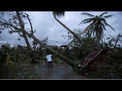 Hurricane Matthew: Death toll reaches 842 in Haiti; storm strikes the US