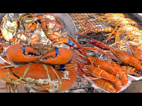 Crabs and Shrimps River Prawns  | Seafood Street Food Thailand ** WARNING Alive Fresh ***