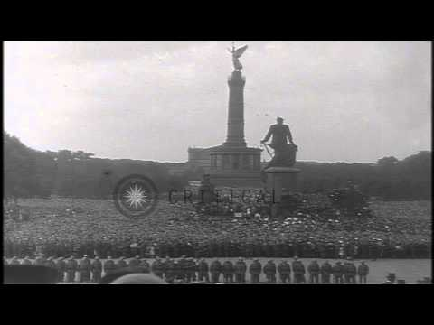 Friedrich Ebert at Victory column in Berlin, Germany. HD Stock Footage