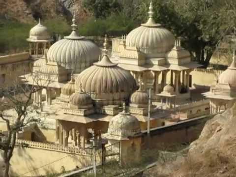 Overlooking Gaitor and Garh Ganesh on Amir Road, Jaipur, Rajasthan, India