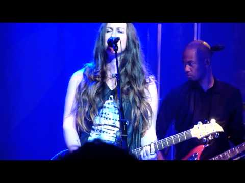 "Alanis Morissette - ""Citizen of the Planet"" live @ Credicard Hall, Sao Paulo, Brazil"