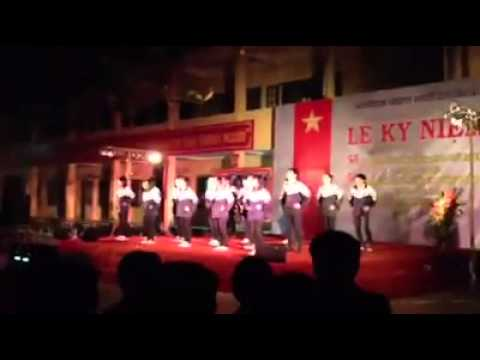 Màn nhảy flash mob 11A1. Trường THPT Phú Xuyên A