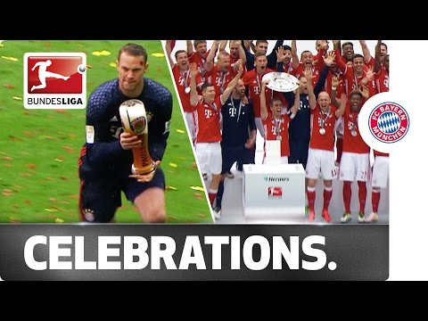 The league trophy, beer showers and lots of emotions - Bayern München celebrate their title win