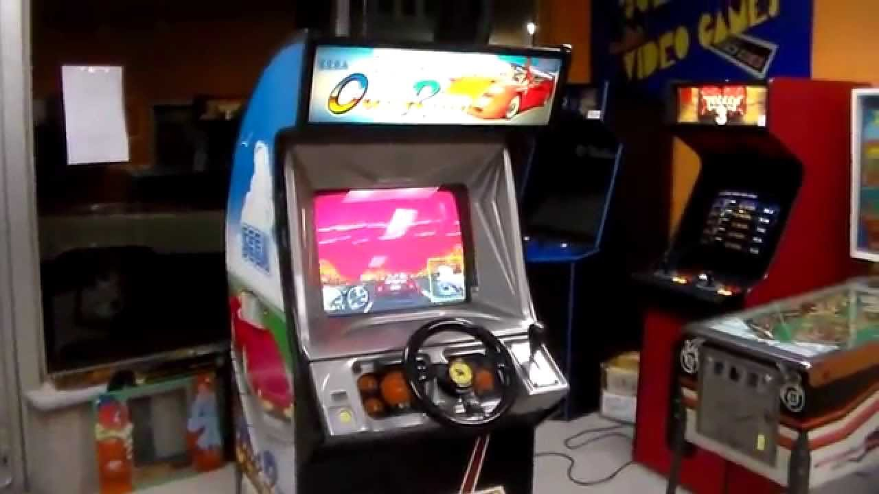 Sega's Classic Turbo OutRun arcade game! artwork, gameplay ...