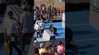 Woman Shows Off Parkour Skills While Competing in Obstacle Race - 1184784