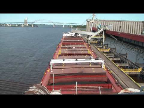 Great Lakes Sailing - Loading at Superior WI, HD time-lapse