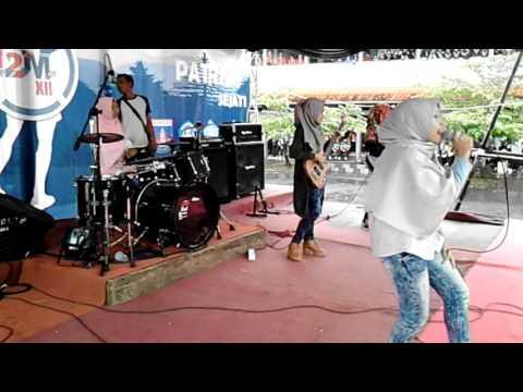 Reggae (My Honey) by Vanila Band SMAN 1 Panawangan