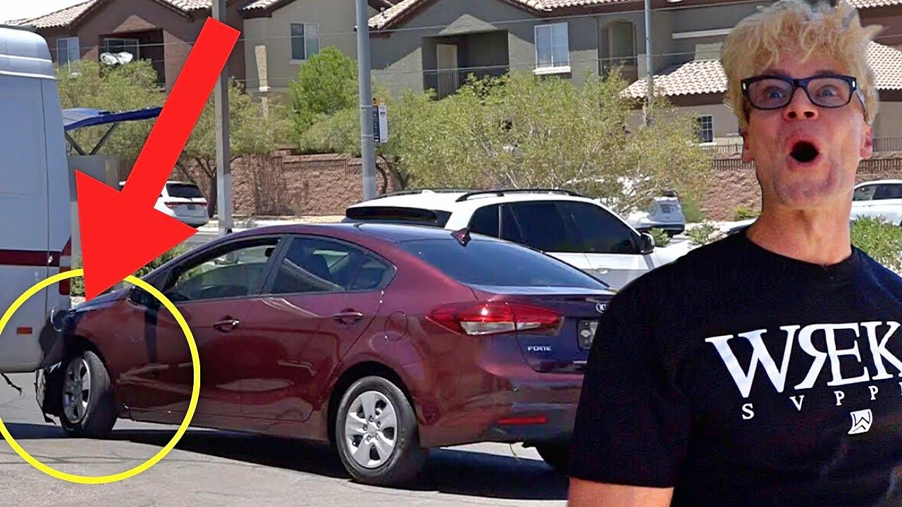 Car Crash Caught on Camera!!! (BAD PARKING REVENGE) - Female Magic Pranks 2020