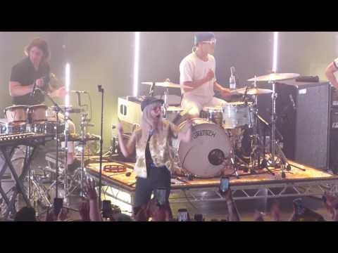 Paramore - Hard Times - Belfast