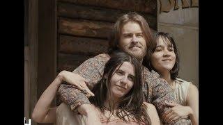 実話を基にカルト集団に洗脳された女性たちの旅を描く/映画『チャーリー・セズ : マンソンの女たち』予告編