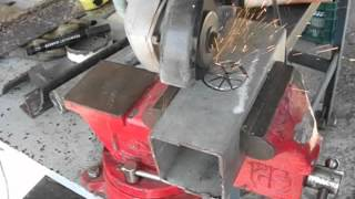 Repeat youtube video Cómo hacer agujeros redondos con amoladora o radial, con discos finos