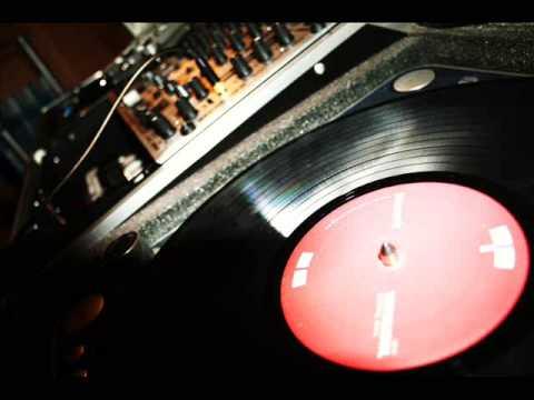 MSTRKRFT ft. John Legend - Heartbreaker (with lyrics)