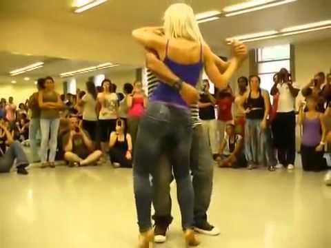 Красивый и сексуальный танец