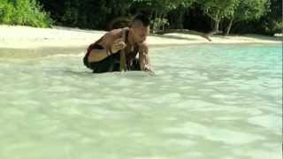 Vaas on snorkeling (Michael Mando & Christopher Mintz-Plasse) thumbnail
