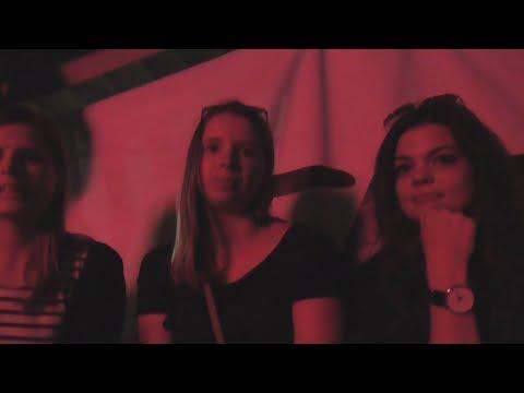 Смотреть фото [Псв 18] В конце ночи под утро улица Тверская, Камергерский переулок рэп-батл у клуба после концерта новости россия москва