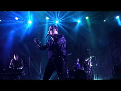 Future Islands - Cave (The Far Field) Live at Berlin, 21.03.2017