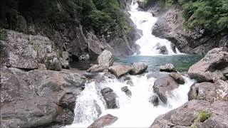 屋久島沢登りガイドツアー一日コースで出会うお谷が滝
